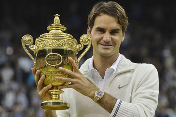Federer regains number One